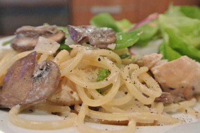 Chicken, Mushroom and Snow Pea Spaghetti with a Wine Cream Sauce