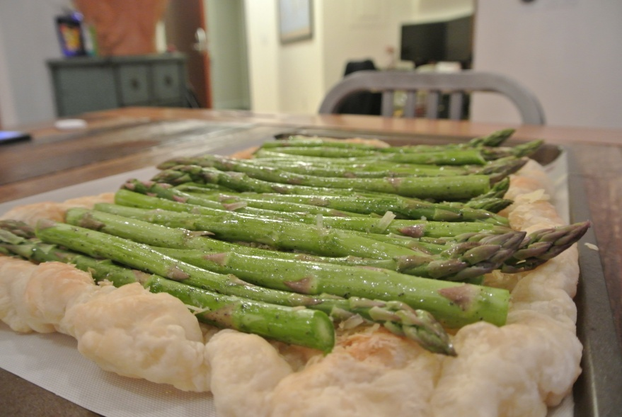 Add asparagus to puff pastry
